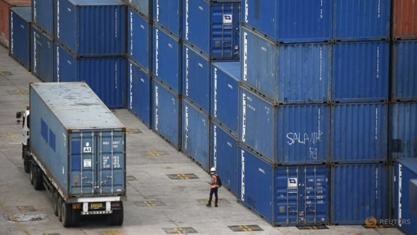 Indonesian exports surge in April on high commodity prices