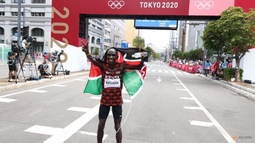 Olympics-Athletics-Kenya's Kipchoge cements legacy as greatest marathon runner