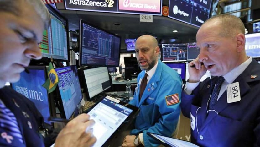 Dow ends 10% lower in worst session since 1987