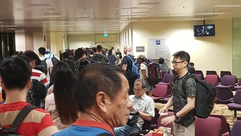 Scoot passengers stranded at Changi Airport for 7 hours due to technical issue