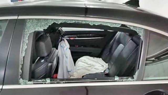 越堤游新山车窗被砸 狮城车主痛失2平板电脑