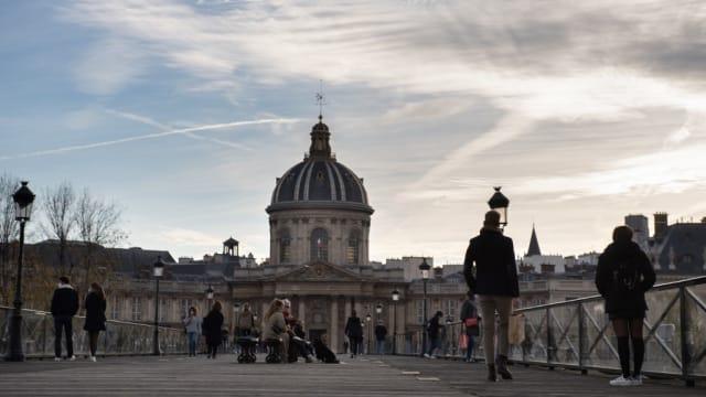 法国计划把应对冠病疫情紧急状态令延至明年7月底
