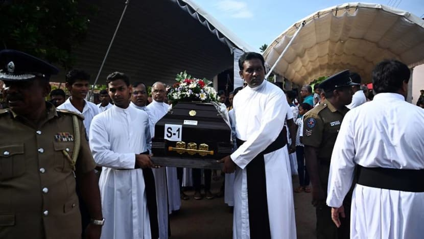 Sri Lanka mourns as death toll from blasts rises to 321