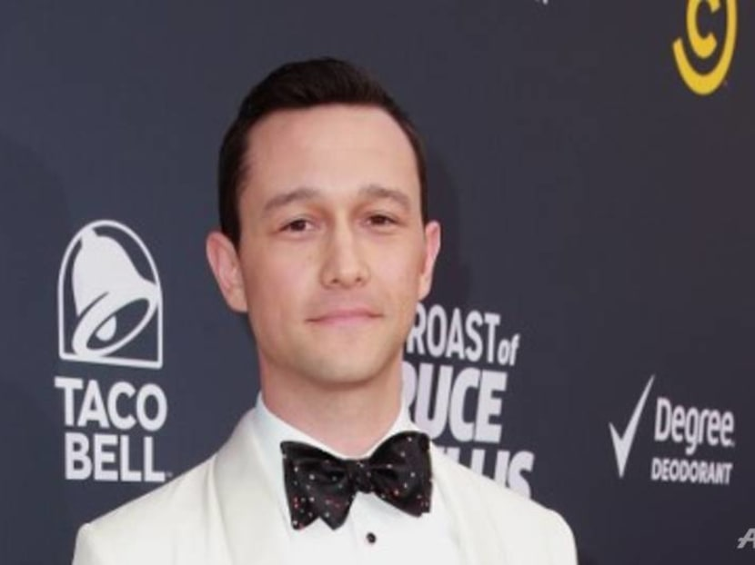Actor Joseph Gordon-Levitt wants your photos of chicken rice, laksa and other local food