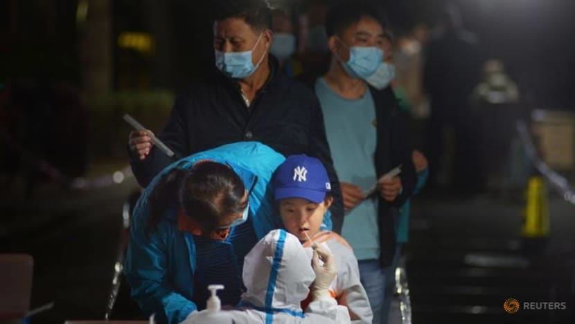 China reports 16 new COVID-19 cases