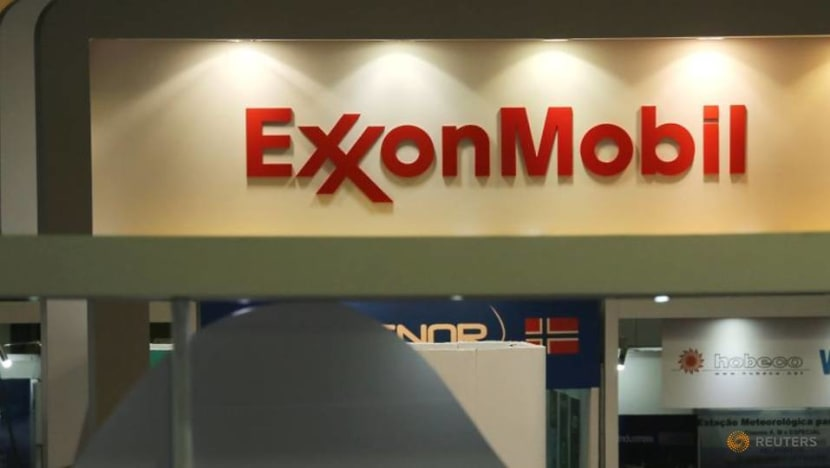Exxon to cut up to 300 jobs in Canada