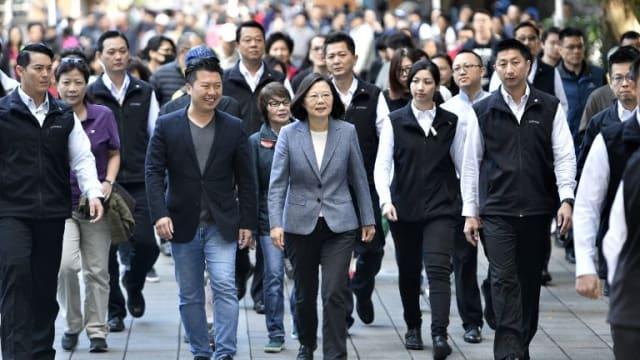 台湾政坛再起波澜 民进党元老要求蔡英文放弃寻求连任