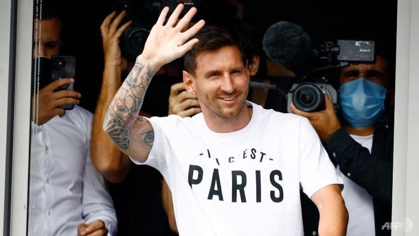Football: Messi arrives in France to join PSG from Barcelona