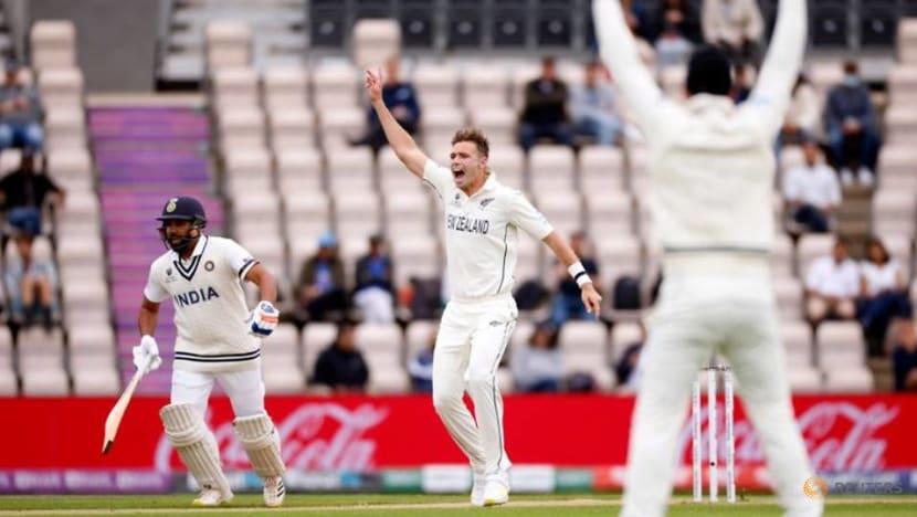 Cricket-Kohli leads India revival before bad light intervenes in WTC final