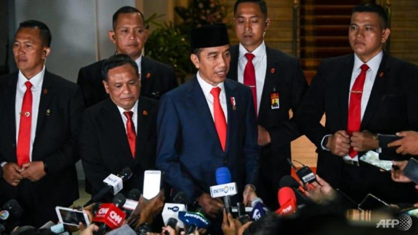Indonesia president tells Cabinet to fix regulations, create jobs