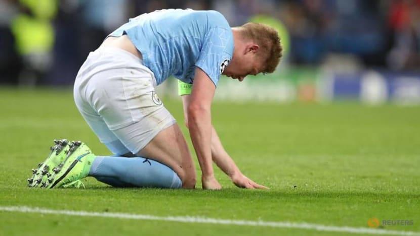 Soccer-De Bruyne returns to training in Belgian boost