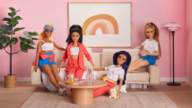 平胸、娇小和丰腴Barbie登场 身穿Love, Bonito极具收藏意义