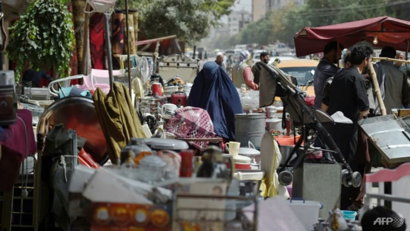 Fleeing Afghans sell their wares at Kabul's busy bazaars
