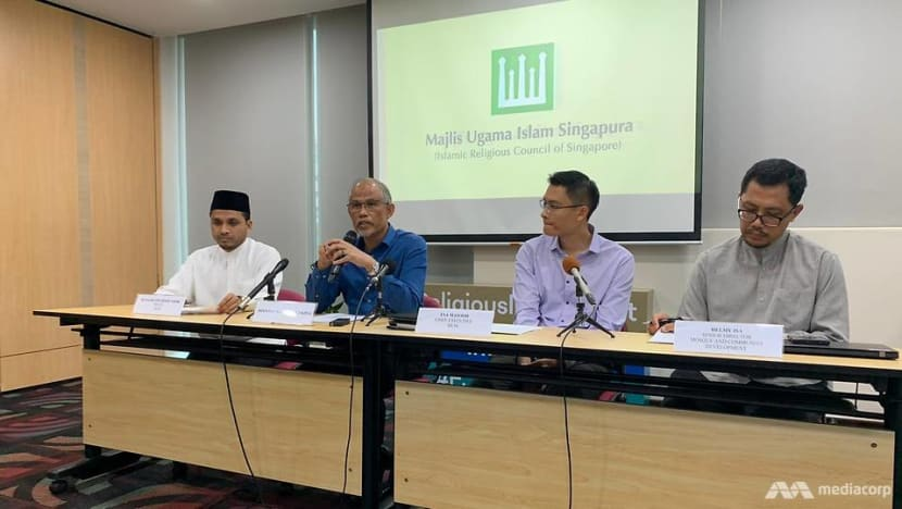 2 Singaporeans who attended religious event in Malaysia confirmed to have COVID-19; MUIS closes mosques, suspends Friday prayers