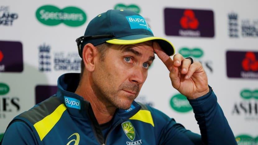 Cricket-Pressure grows on 'grumpy' Australia coach Langer