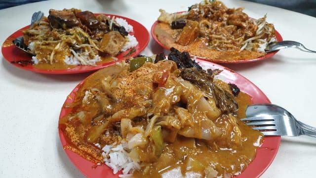这个那个都给我淋上咖喱!好吃的海南咖喱饭哪里找?
