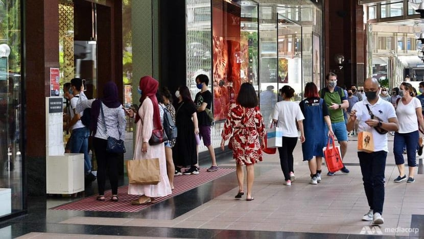 Singapore's core inflation declines to -0.1% in November as retail cost falls