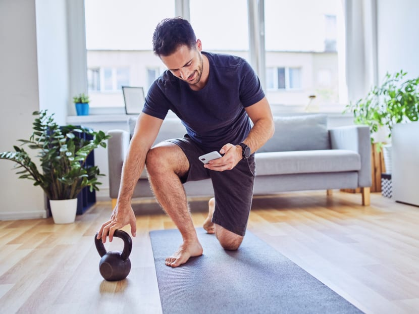 Reading this on your phone while exercising? Multi-tasking may lead to injuries