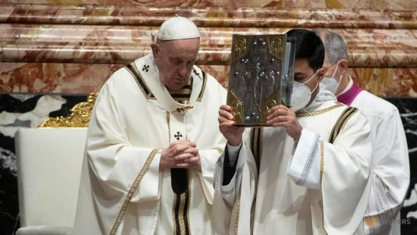 Pope meets cardinal he fired, in apparent reconciliation