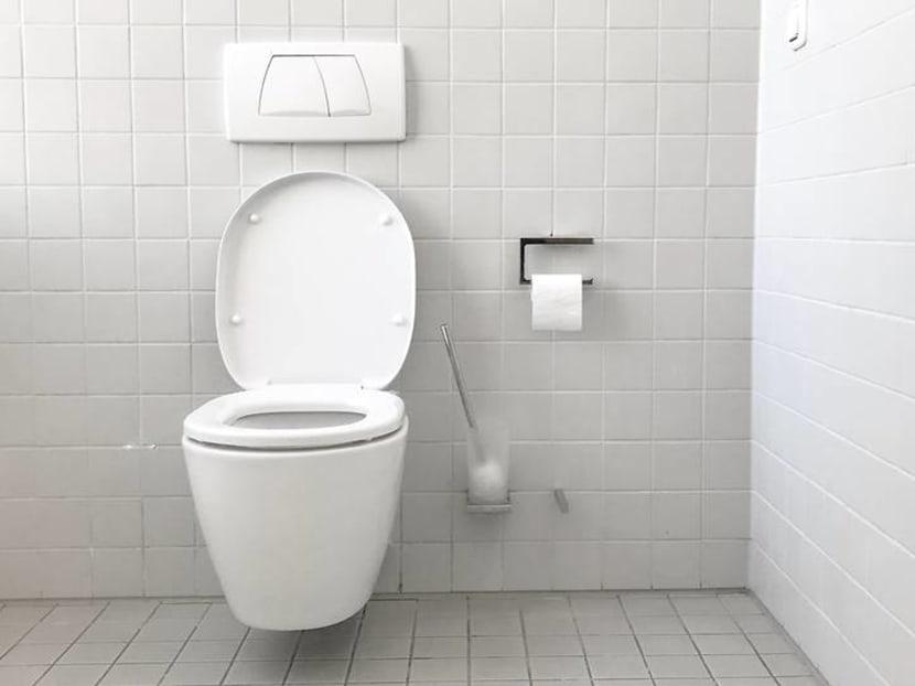 Flushing the toilet may fling coronavirus aerosols all over. What should you do?