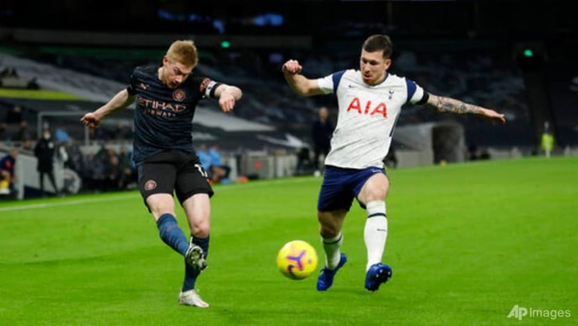 Football: Manchester City's De Bruyne frustrated by handball rule changes