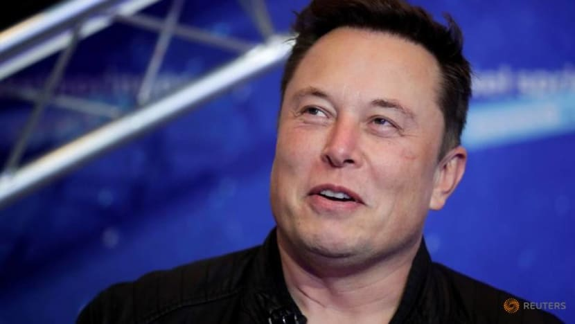 Elon Musk's banter with Robinhood CEO triggers stampede for Clubhouse app