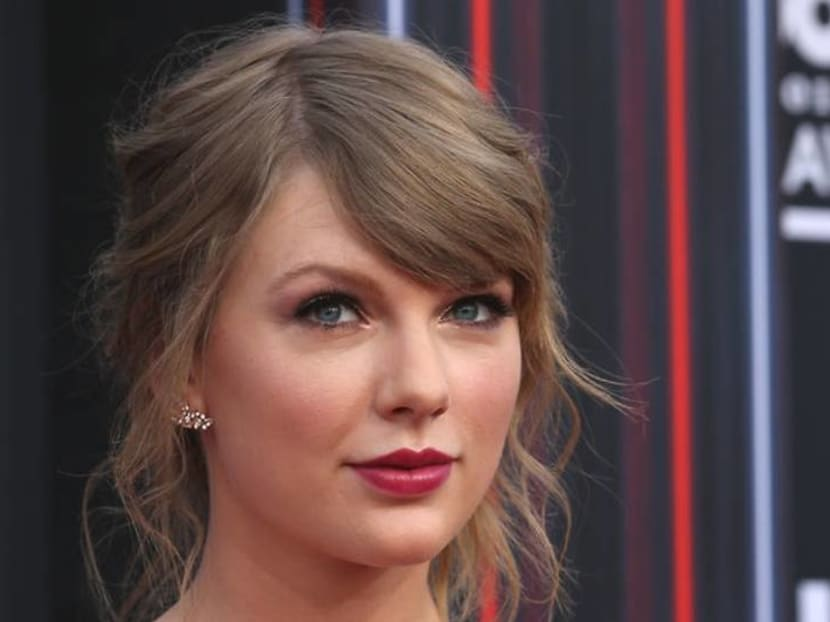 Taylor Swift's fans speculate that her new album may be mermaid themed