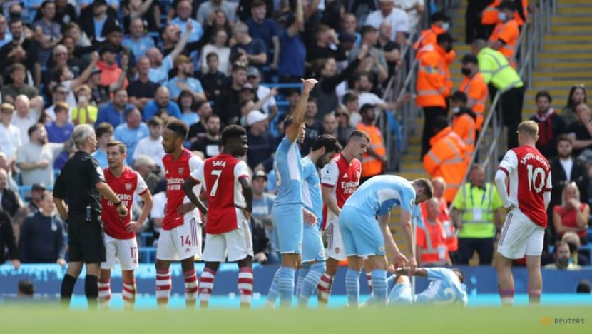 Football:Basic errors and worrying lack of fight plunge Arsenal into more peril
