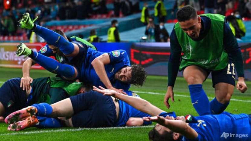 Football: Italy beat Austria 2-1 with extra time goals to reach last eight