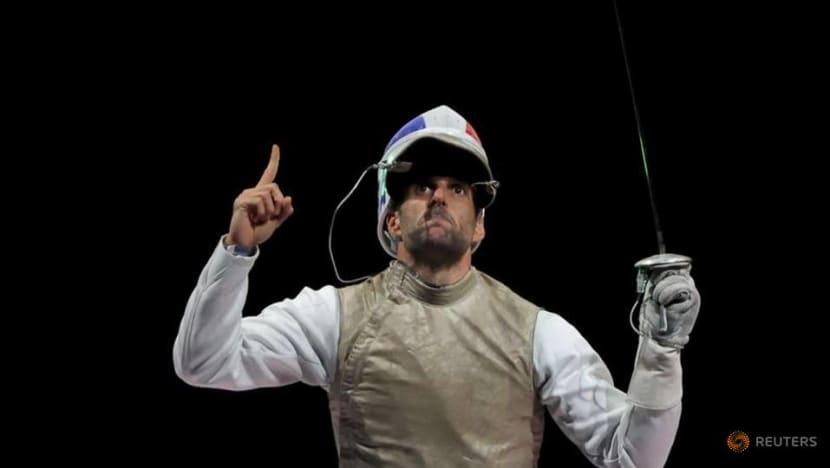 Olympics-Fencing-France wins gold in men's team foil
