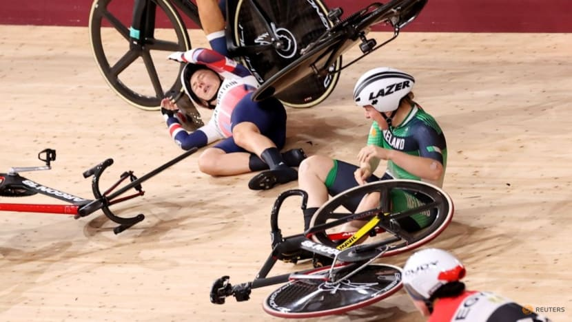 Cycling: Britain's Kenny involved in huge crash in omnium