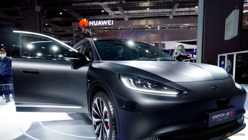 Huawei gets US approvals to buy chips for its growing auto business