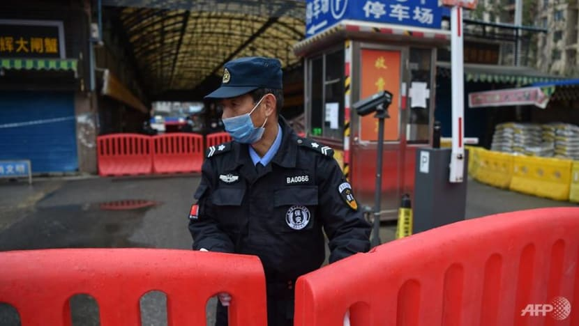 China's quarantine efforts spread to 13 cities as virus toll climbs; 41 million people affected