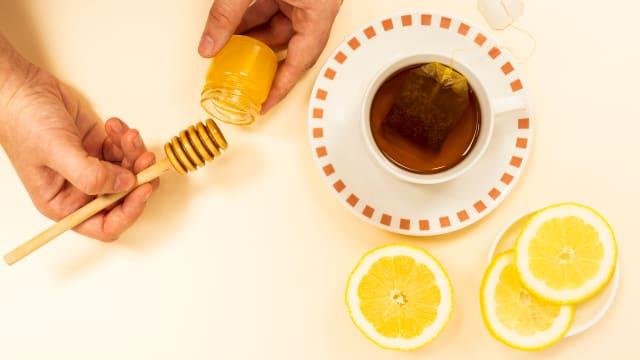 腹泻食疗:柠檬蜂蜜绿茶