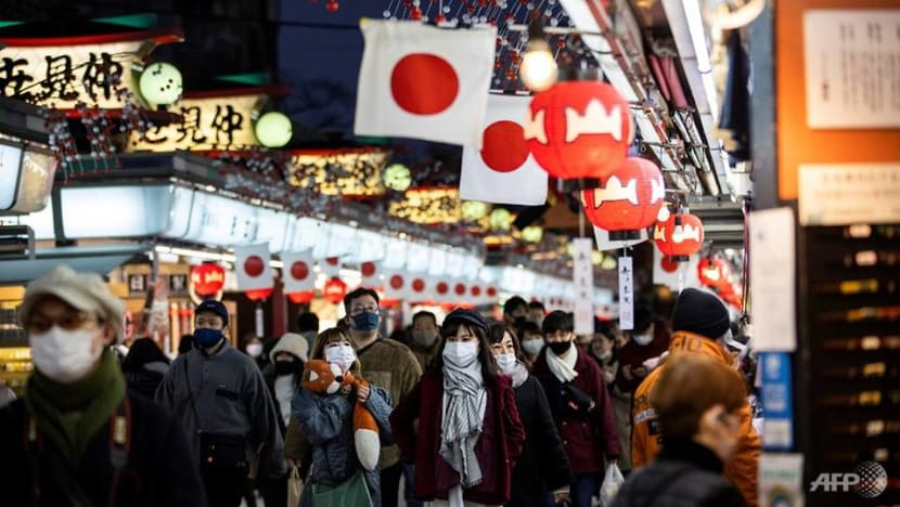 Tokyo reports 816 new COVID-19 cases as governors push for state of emergency