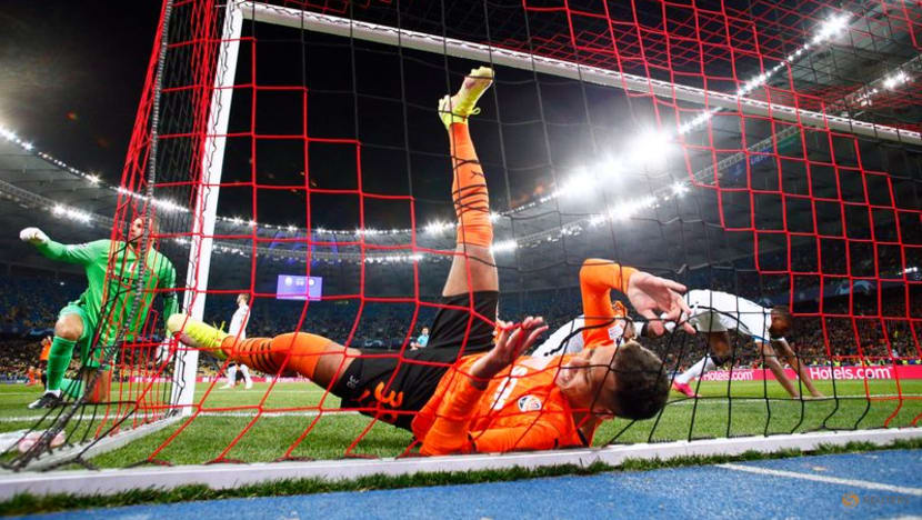 Football: Shakhtar hold Inter to goalless draw as Usyk looks on