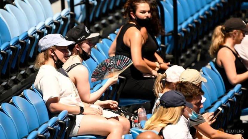 Fans return to Australian Open after lockdown ends