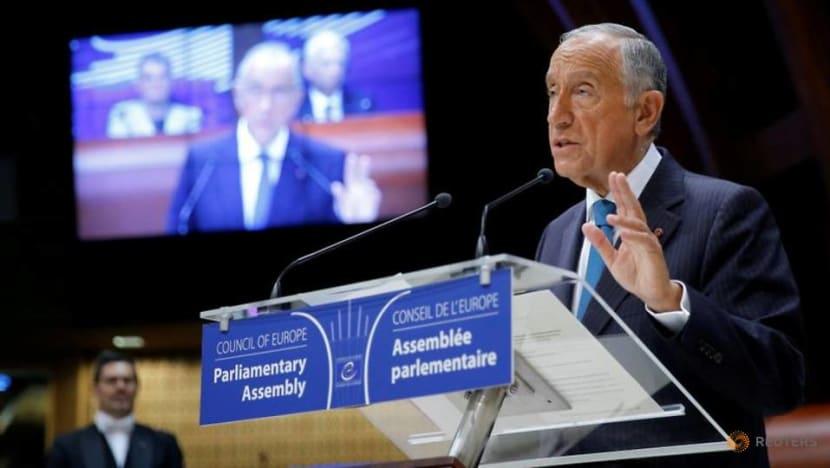 In a Lisbon bakery, Portugal's president announces run for second term