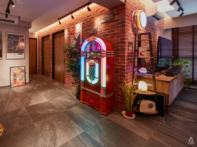 A 1,054 sq ft BTO flat that looks like a retro American diner – with a jukebox