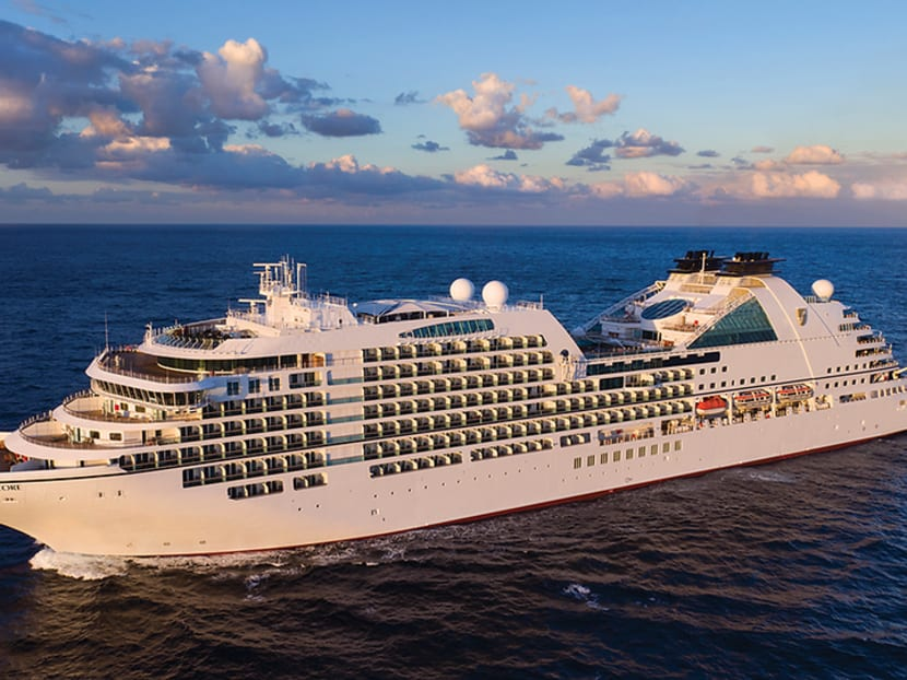 Mindfulness meditation and daily afternoon tea: Surviving a 37-day cruise