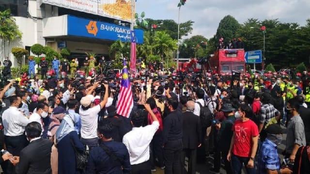 不满国会展延会议 马国希盟国会议员举行抗议集会