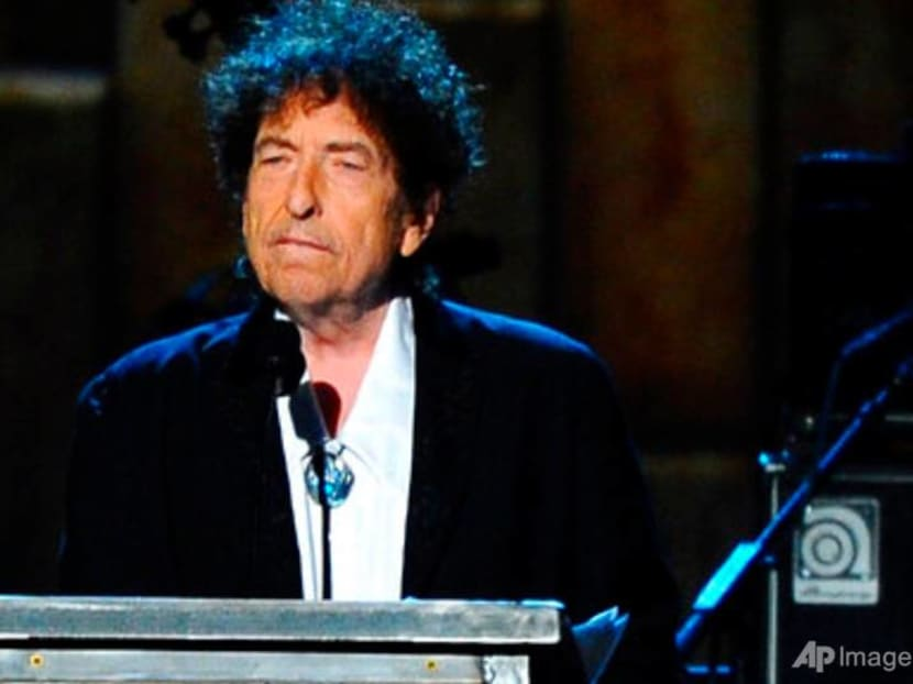 Road warrior Bob Dylan returns to stage – at least online