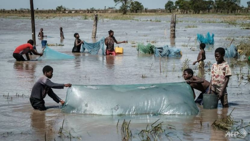 Mozambique cyclone survivors face 'ticking bomb' of disease