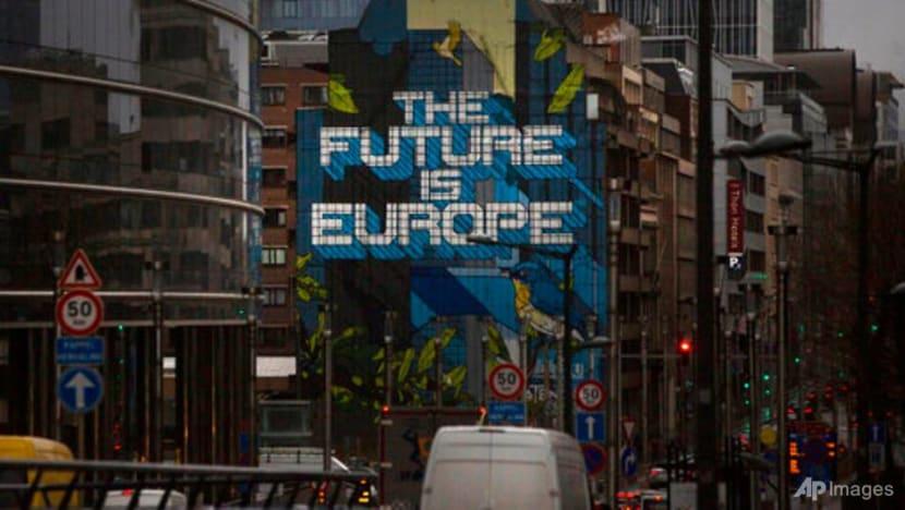 Brexit talks flirt with failure as new deadline blown