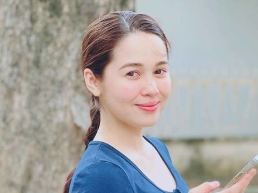 Malaysian actress Emma Maembong slammed for photo of breast pump in public
