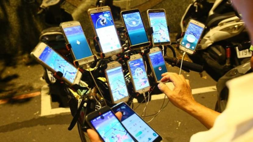 Elderly Taiwanese man catches them all in Pokemon Go with multiple phones strapped to bicycle