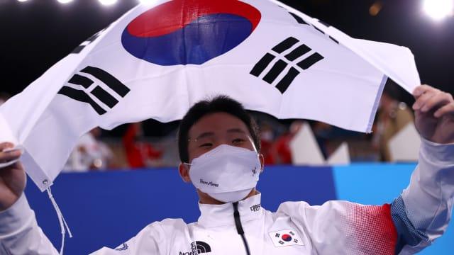 差点错失奥运参赛资格  辛在焕摘下男子跳马金牌