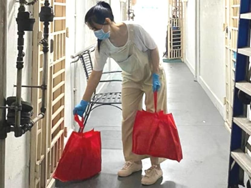 Rebecca Lim hand-delivers 400 care packs to homes and frontline workers
