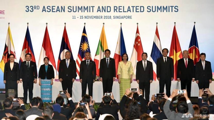 ASEAN economic ministers ink first e-commerce agreement