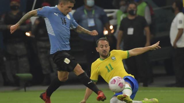世界杯南美洲区外围赛:巴西以4比1 轻取乌拉圭